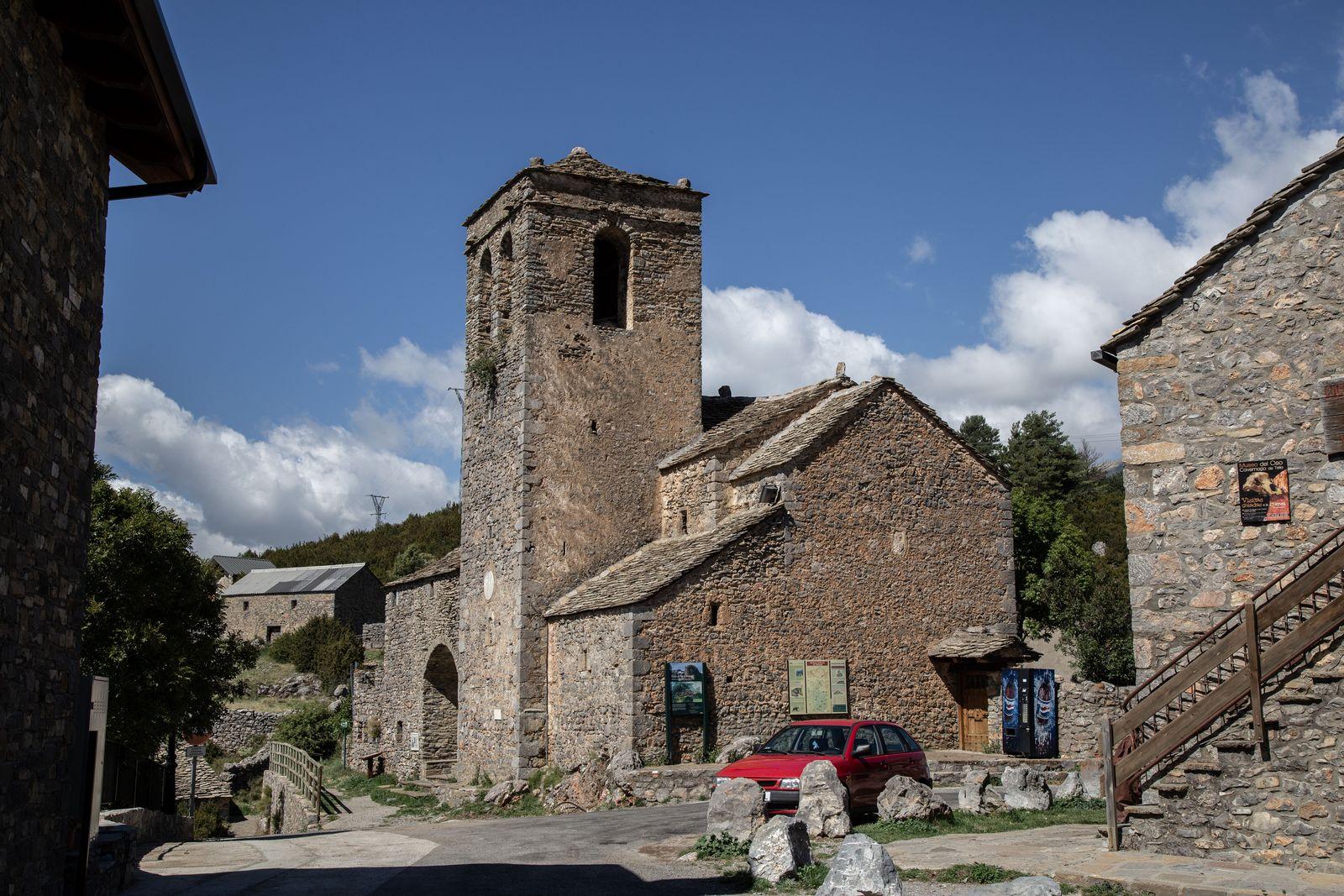 Antes de las ermitas, la Iglesia de San Martín