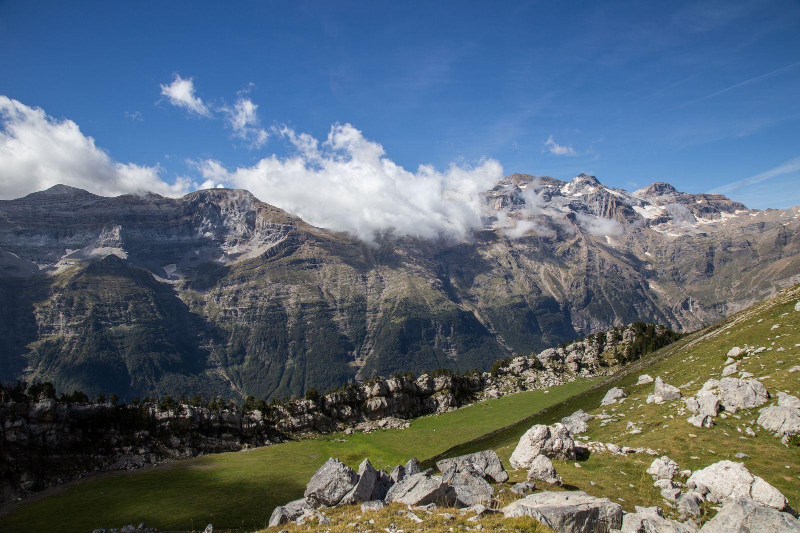Y por fin, las vistas a la Sierra de Espierba